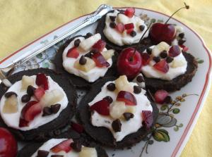 Banana Split Brownie Pizzert Babies